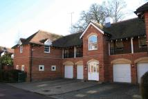 Flat in Wethered Park, Marlow