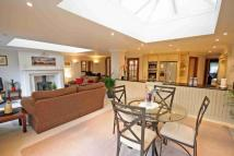 4 bedroom property in West Street, Marlow
