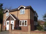 1 bed property in Courthouse Road...