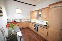2 bed Flat to rent in High Street, Cookham