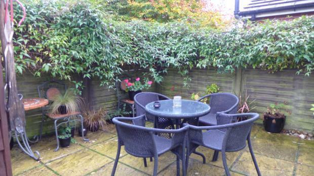 34 Plomer Green Lane Garden 027