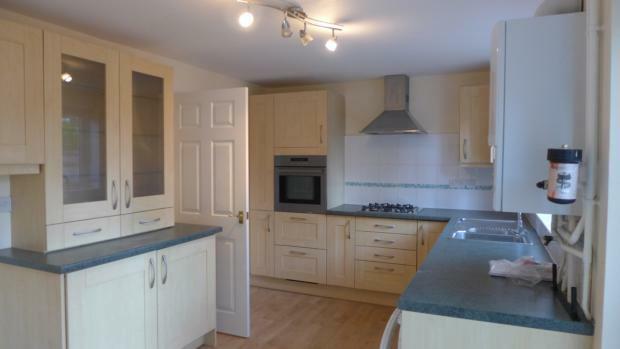 Jasmine Crescent 14 Kitchen 005