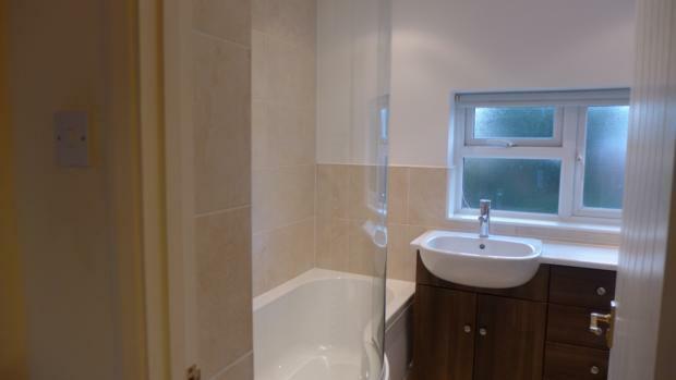 Jasmine Crescent 14 bathroom 012