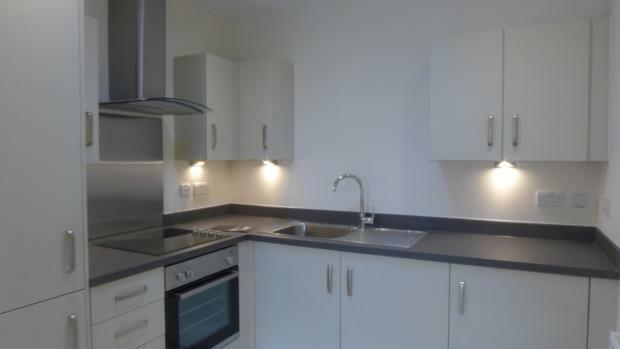 Beechwood Court 4 Kitchen 029