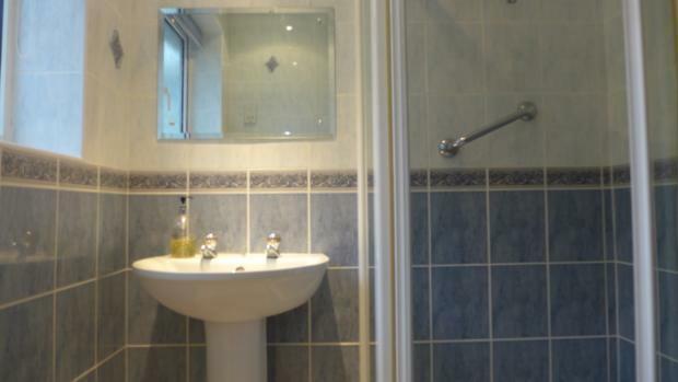 Littlemore Shower 029