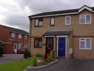 2 bedroom property to rent in Robin Close, Cressex...