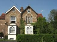 2 bed Maisonette in West Wycombe Road...