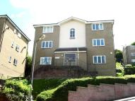 Flat to rent in Lingfield Close...