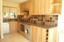 2 bed house in Wyatt Close, High Wycombe