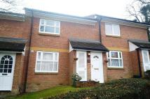 Maisonette to rent in Lower Furney Close...