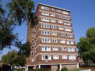1 bedroom Flat in Hepworth Gardens...