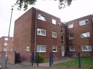 1 bedroom Ground Flat in Harts Lane, Barking