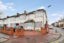 End of Terrace house for sale in Cavendish Gardens...