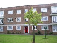 2 bedroom Ground Flat to rent in Longbridge Road, Barking...