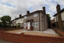 3 bedroom End of Terrace property to rent in Upney Lane, Barking...