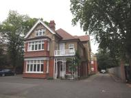 2 bedroom Flat to rent in Main Road, Gidea Park