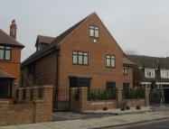Flat for sale in Manor Avenue, Hornchurch