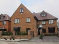 Flat to rent in Manor Avenue, Hornchurch