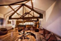 3 bed Penthouse in Tuttle Street Brewery...