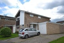 4 bed property in Emmer Green