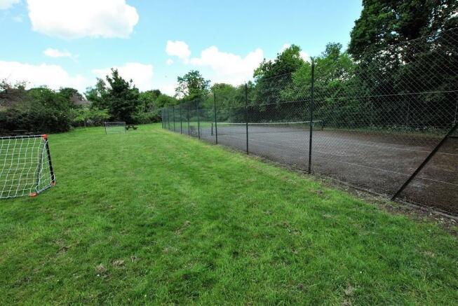 tennis court & p