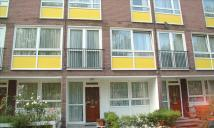 Flat to rent in Clarence Gardens, London...