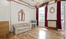 Flat to rent in Mornington Street...