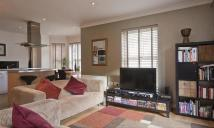 North Point Square Flat to rent