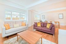 Town House to rent in Belsize Road...