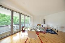 Apartment in Alfred Court...