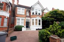 Apartment to rent in Teignmouth Road, London