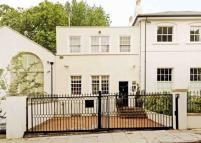 Town House for sale in Greville Place...