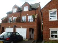 3 bedroom semi detached house to rent in Underwood Court...