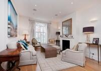 Terraced property in Chiddingstone Street...