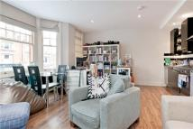 Flat to rent in New Kings Road, London...
