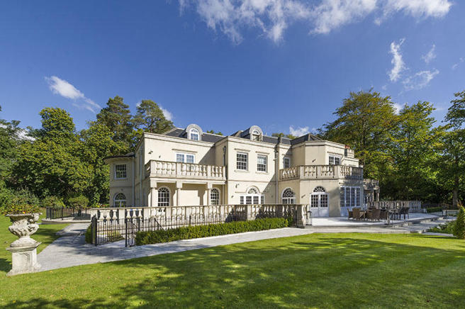 8 bedroom detached house for sale in christchurch road