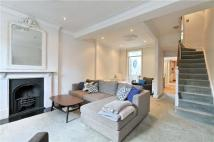 4 bedroom Flat in Murray Terrace...