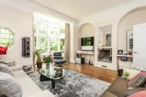 4 bed semi detached house in Frognal Lane, Hampstead...