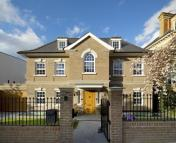 Detached home to rent in Redington Road...