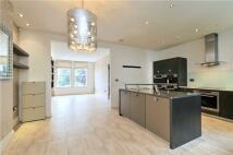 3 bedroom Terraced home in Primrose Gardens...