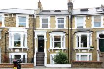 5 bed Terraced house in Leconfield Road...