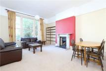 1 bedroom Flat in Evering Road...