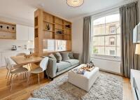 2 bedroom Flat to rent in Cheniston Gardens...
