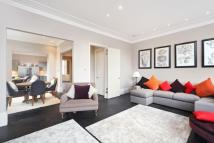 3 bed Flat to rent in Phillimore Gardens...