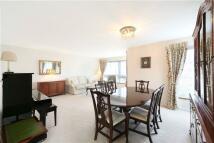 2 bedroom Bungalow in William Cobbett House...