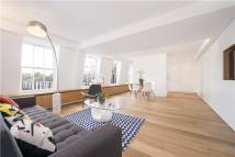 2 bed Flat to rent in Palace Gate, London, W8
