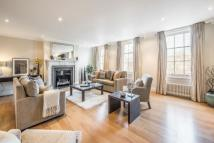 3 bedroom Flat to rent in Eaton Square, London...