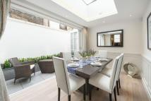 2 bed End of Terrace house to rent in Kinnerton Street, London...
