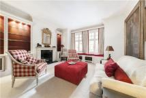 2 bed Flat to rent in Wilbraham Mansions...