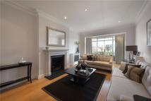 Eaton Square Flat to rent